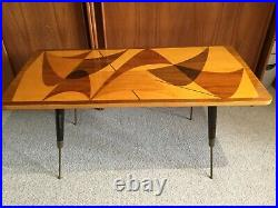 Vintage Coffee table 1950/mid-century abstract, atomic pattern of inlaid woods
